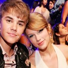 Justin Bieber Likes A Good Taylor Swift Singalong image