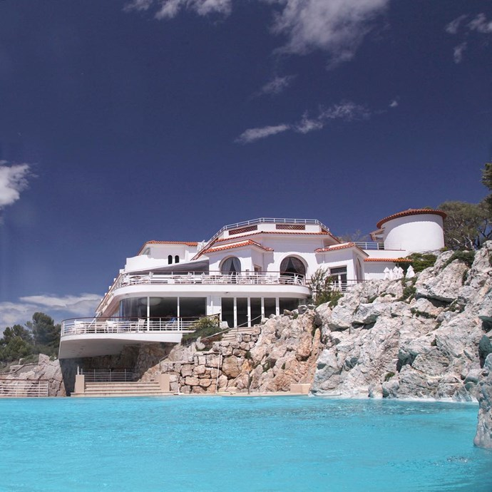 "Hotel du Cap-Eden-Roc in Antibes, France<br><br> <a href=""https://www.instagram.com/p/BF1bD_do3oK/"">instagram.com/hotelducapedenroc </a>"