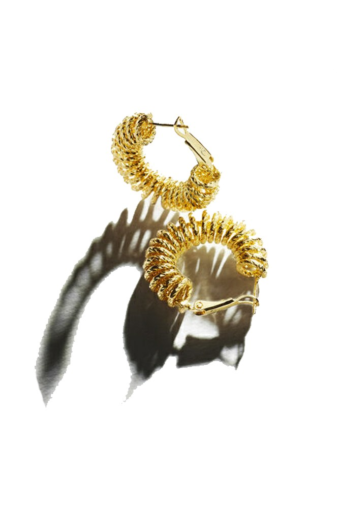 "<a href=""http://www.reliquiajewellery.com/product/spiral-hoop-earrings/"">Earrings, $120, Reliquia</a>"