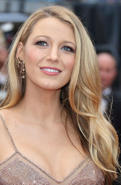 <strong>Hack #5: Raid the fridge.</strong><br><br> Rich girl hair is nothing without glamorous, healthy ends. If you can't lay your hands on a pre-shampoo treatment to sort out any split ends, make like Blake Lively and use mayo instead. It does wonders for dry, brittle ends, apparently. Who knew?