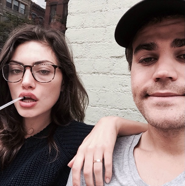 Phoebe Tonkin does tortoise shell.