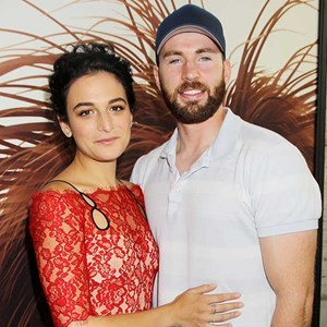 Jenny Slate and Chris Evans.