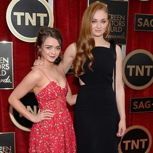 Actresses Maisie Williams (L) and Sophie Turner attend the 21st Annual Screen Actors Guild Awards