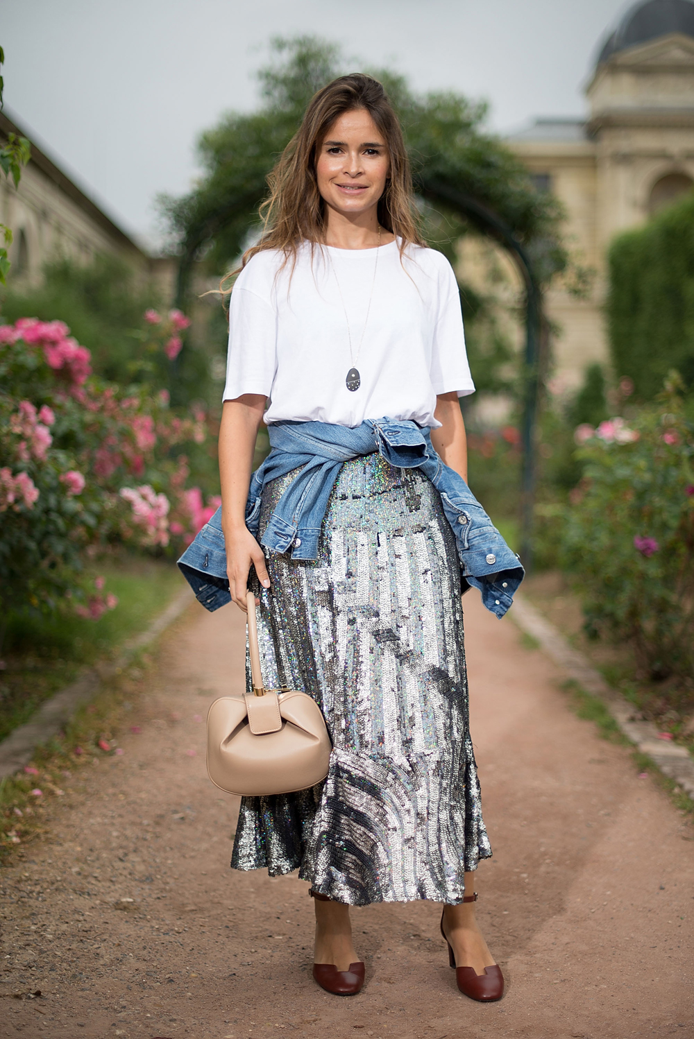 Street Style At Fall 2016 Couture Fashion Week Paris Image 1 Elle