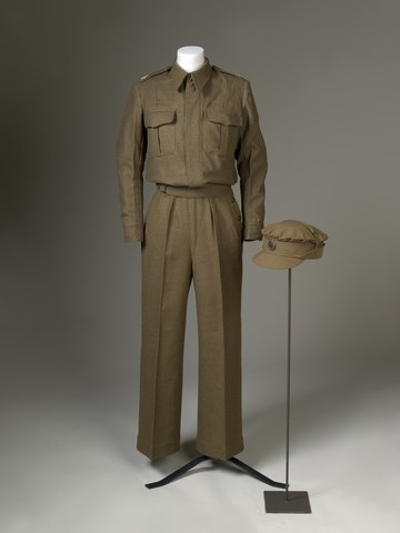 </p><p><b>Auxiliary Territorial Service uniform</b></p><p> Before her coronation, Princess Elizabeth became the first female royal to join Britain's armed forces as a full-time active member. She was given real wartime training and, as such, was issued the standard service uniform, including a service cap with her regiment's badge.