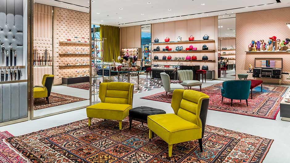 Burberry Brit Store A Milano : Gucci boutique gold coast