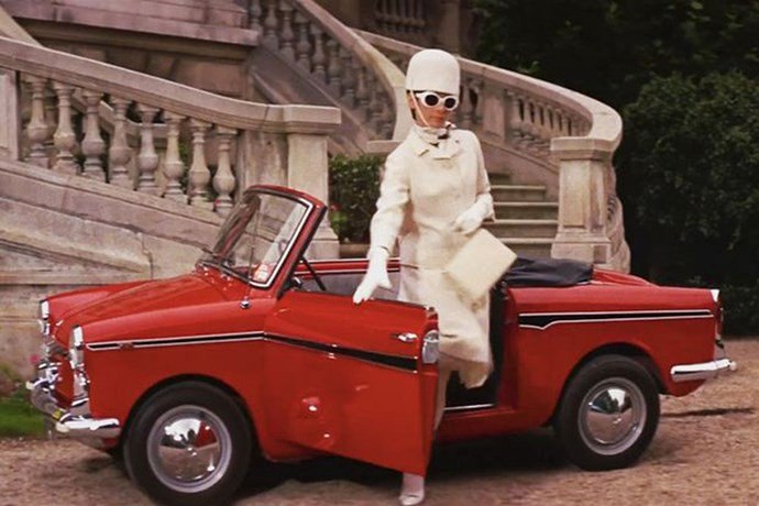 Audrey Hepburn's all-white look in<em> How To Steal A Million</em> (1966).