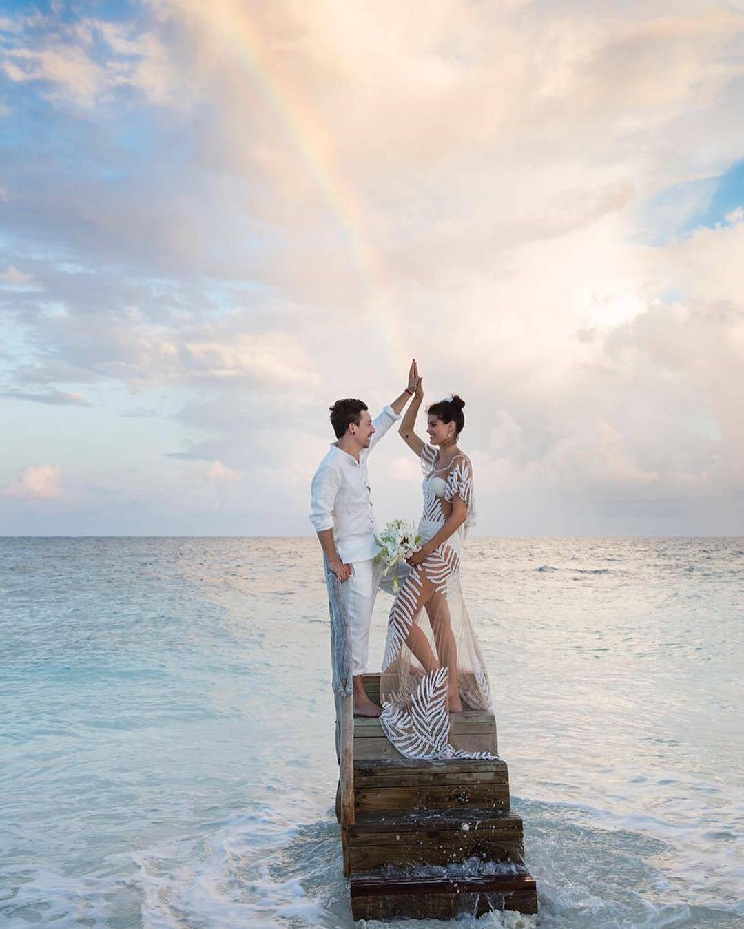 "<p> Model Isabeli Fontana married Diego Ferrero in the Maldives this week wearing a Agua De Coco bikini.<p> <p> Image via <a href=""https://www.instagram.com/voguenoiva/"">Vogue Noiva</a>."