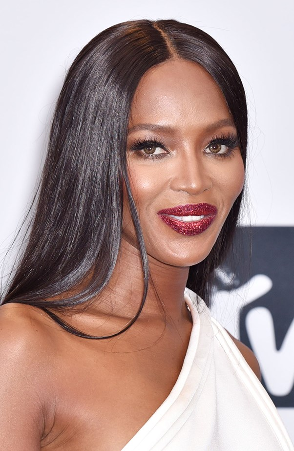 <p>Look at Naomi Campbell's lips! A red carpet standout.
