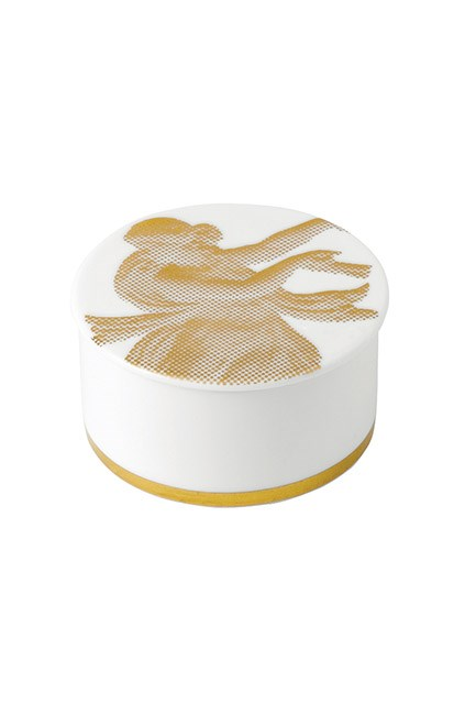"""<strong>A trinket box.</strong> <br><br>The perfect place to put all of her new gifts. Winner. <br><br>Gilded Muse Small Lidded Box, $99.95, <a href=""""https://www.wedgwood.com.au/wedgwood-gilded-muse-small-lidded-box-9cm.html"""">Wedgwood</a>"""