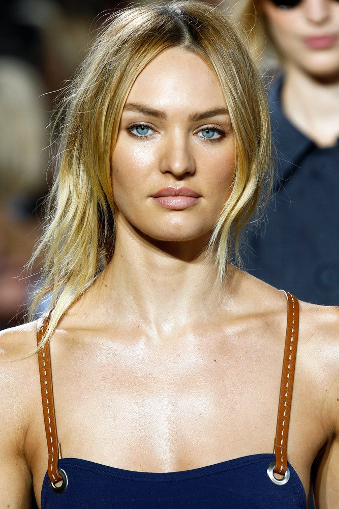 <strong>Candice Swanepoel</strong><br> Swanepoel was discovered at the age of 15 at a flea market in Durban, in her native South Africa.