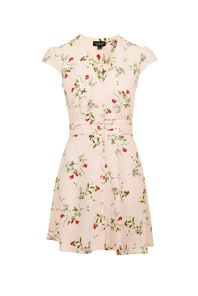 "<a href=""http://www.topshop.com/en/tsuk/product/floral-tea-dress-5614355?bi=40&ps=20"">Dress, approx. $70, Topshop</a>"
