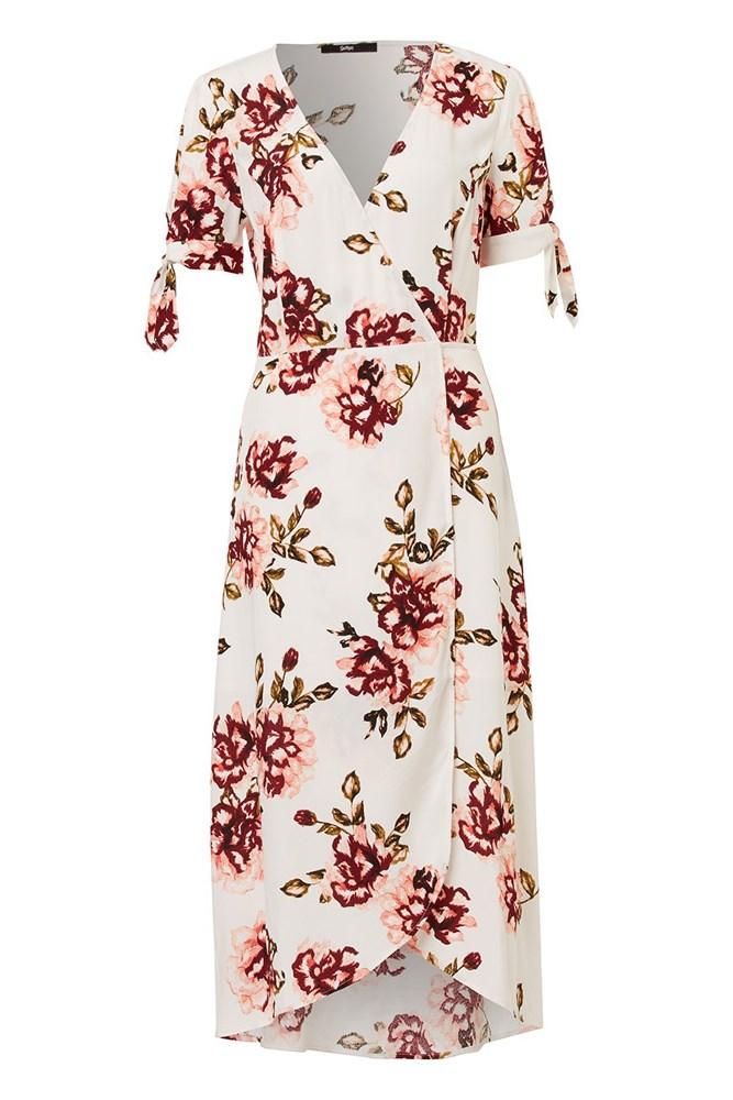 "<a href=""http://www.sportsgirl.com.au/floral-short-sleeve-midi-dress-print"">Dress, $109.95, Sportsgirl</a>"
