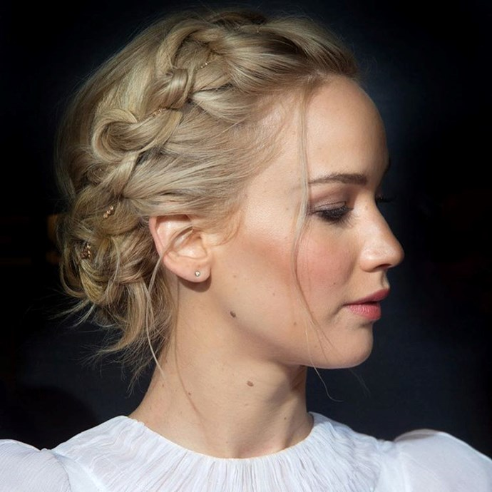 "<p><strong>Jenny Cho</strong> <p>Jenny has worked her magic on Jennifer Lawrence, Emilia Clarke, Amanda Seyfriend… Basically all of young Hollywood's best. <p><a href=""https://www.instagram.com/jennychohair/"">Instagram.com/jennychohair</a>"
