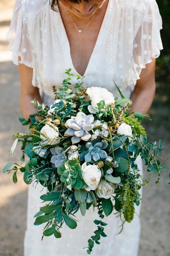 "<p> <em>Succulent</em><p> <p> They're a trend around your house, why not incorporate them into your bouquet? Succulent bouquets are unique, fun and hardy, meaning you won't be leaving a trail of bruised petals after you whenever you hit the dancefloor.<p> <p> Image via <a href=""https://au.pinterest.com/pin/409686897337297433/"">Pinterest</a>."