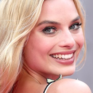 Margot Robbie At Press Call for Suicide Squad