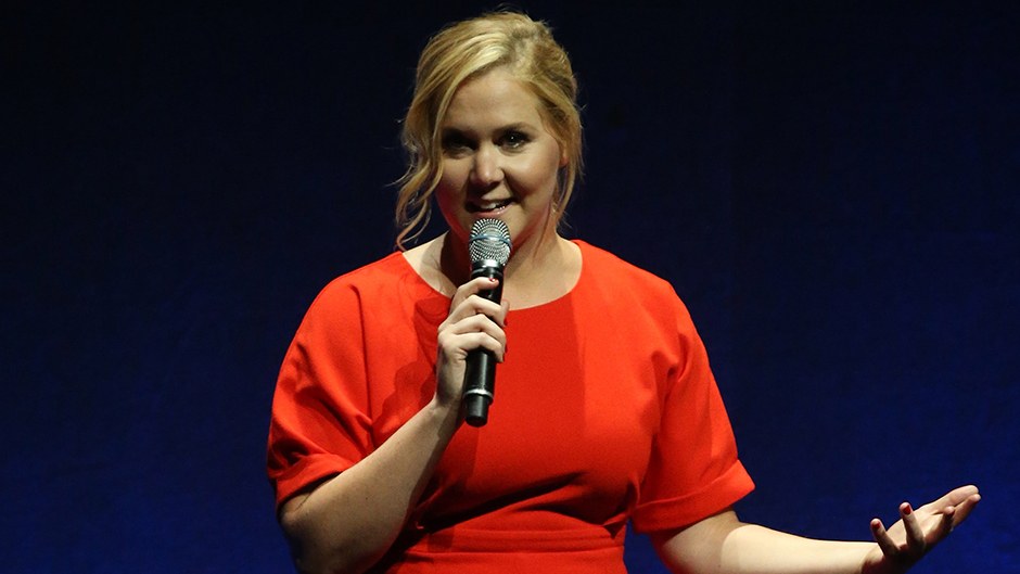Amy Schumer's Trump comments prompt boos, walkouts