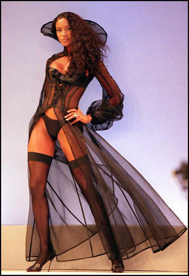 <strong>1997</strong> <br><br> Naomi Campbell