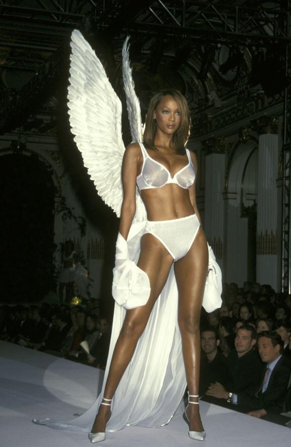 <strong>1998</strong> <br><br> Tyra Banks