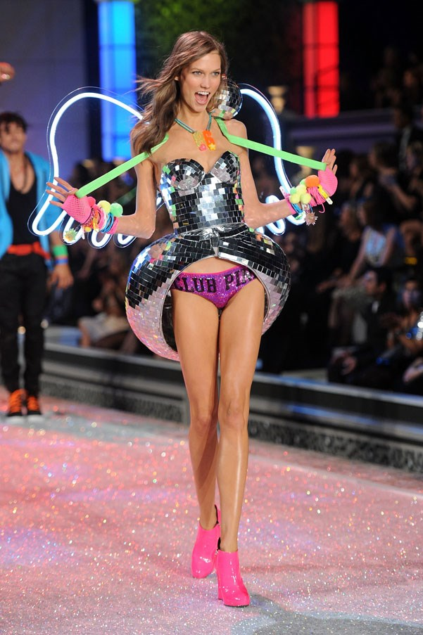 <strong>2011</strong> <br><br> Karlie Kloss
