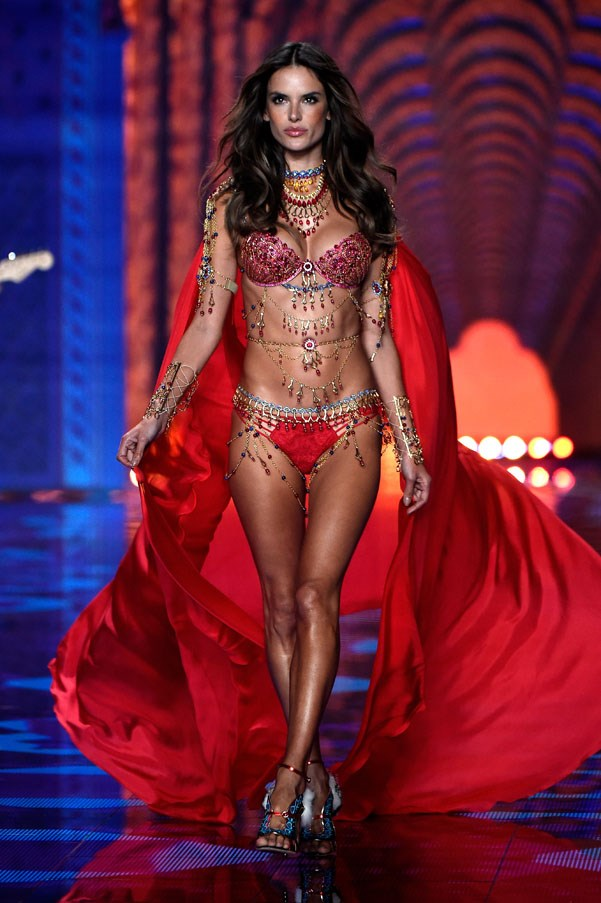 <strong>2014</strong> <br><br> Alessandra Ambrosio