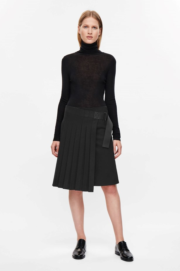"""<p> <a href=""""http://www.cosstores.com/"""">COS</a><p> <p> The name 'COS' stands for Collection of Style and that's exactly what this brand delivers. Made by the same company as H&M, COS might be considered the high-street store's cool, older sister. With minimalist, normcore vibes and polished shapes, this is your new destination for ultra-modern work wear essentials."""