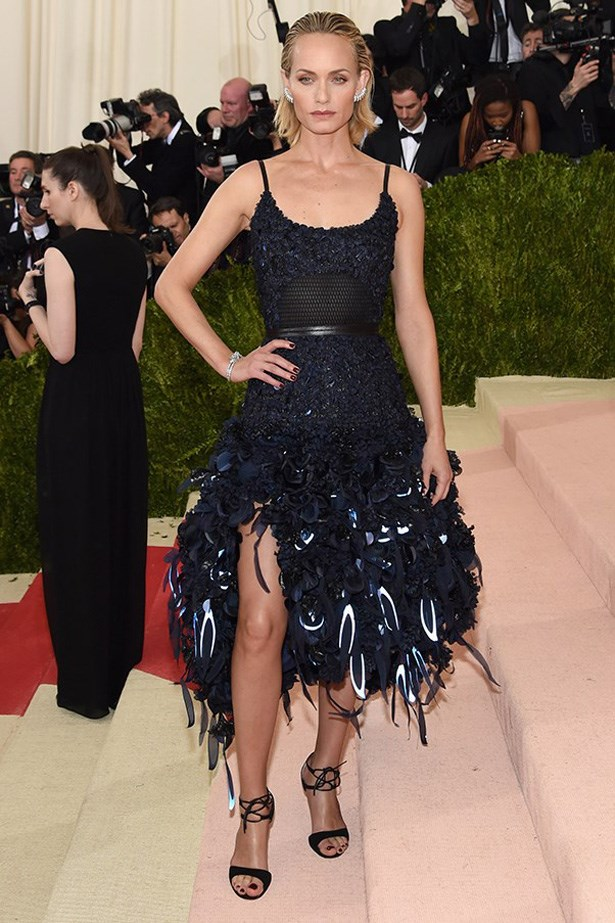 Amber Valletta in H&M at the Met Gala, 2016.