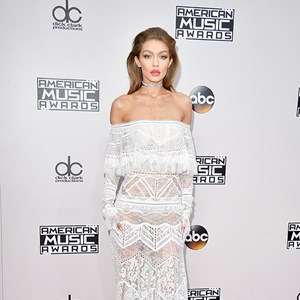 Gigi Hadid American Music Awards Red Carpet 2016