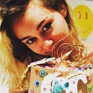 miley cyrus birthday liam hemsworth