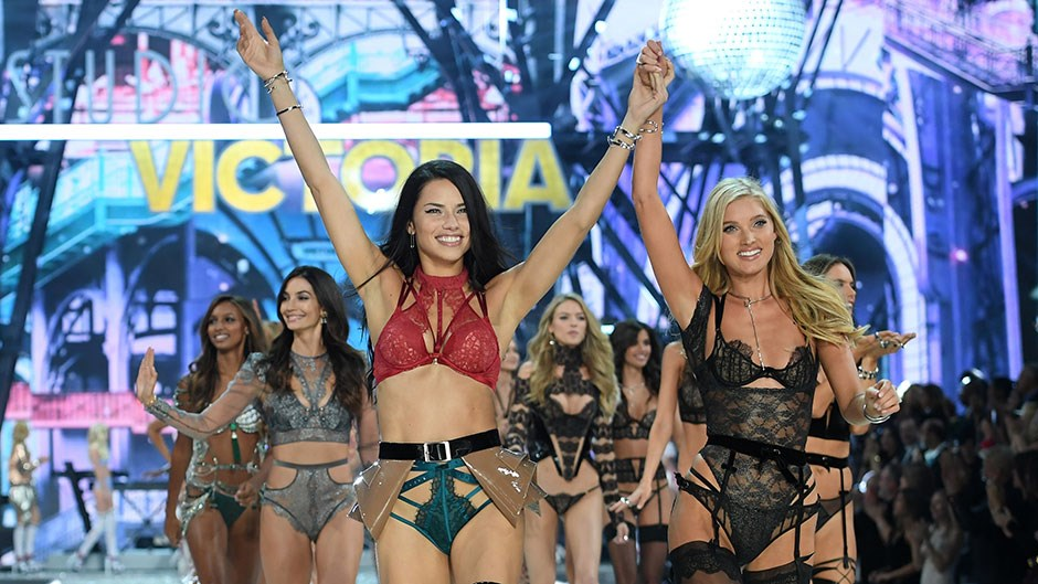 """With a combined estimated worth of $245 million (USD), it's safe to say the Victoria's Secret ladies are the exception to the industry rule that models get paid zip. To break it down, here are the top 13 earning models from this year's VSFS <a href=""""http://www.dailymail.co.uk/femail/article-3989838/The-wealthiest-Victoria-s-Secret-Angels-storm-catwalk.html"""">ranked</a> in ascending order. Note: All amounts are in USD."""