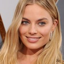 Margot Robbie's Tip For Summer Makeup Is One We Can All Copy image