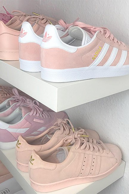 "<p>Step up your sneaker style in 2017 with a peach or neutral-toned pair. <p><a href=""https://www.instagram.com/p/BMwiv_MAmkn/"" target=""_blank"">Instagram.com/sherlinanym</a>"