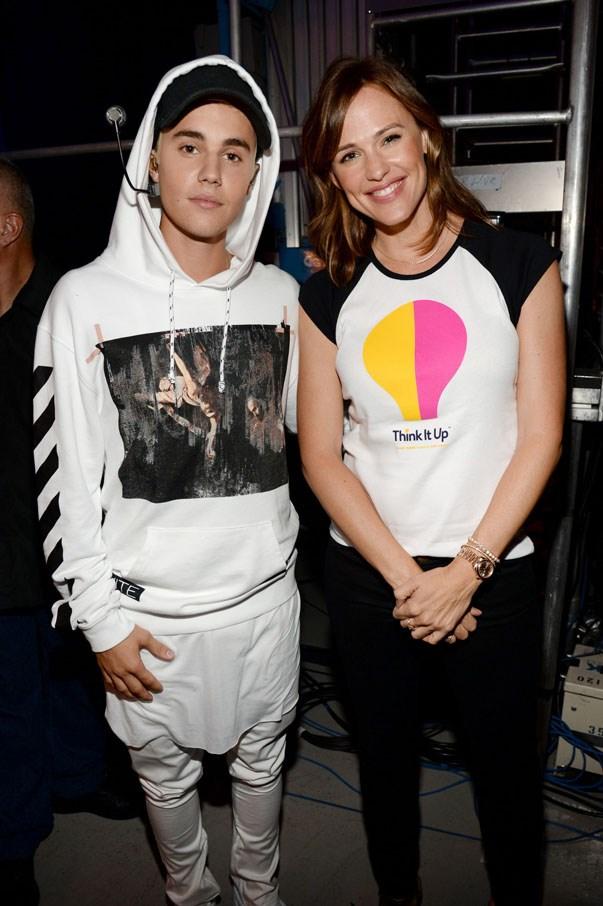 <p><strong>Justin Bieber and Jennifer Garner</strong> <p>Instagram shout-out friends.