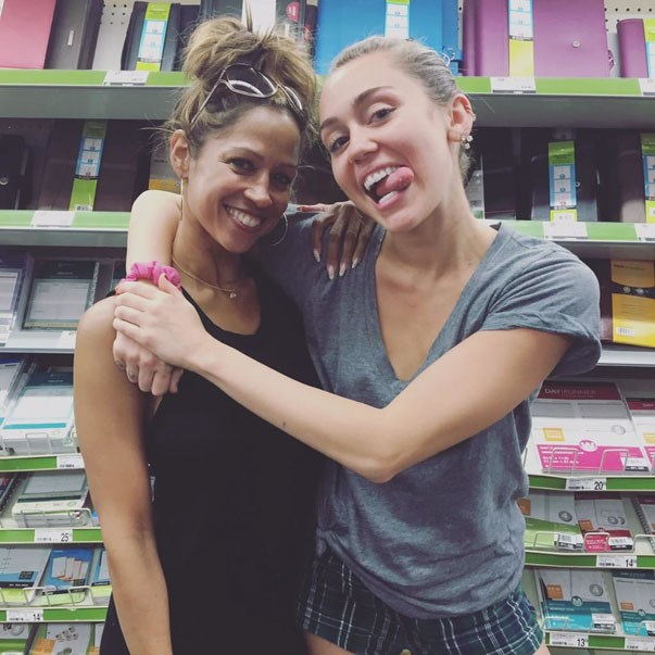 <p><strong>Miley Cyrus and Stacey Dash</strong> <p>School supply-loving friends.