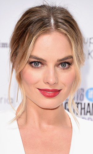 Margot Robbie Party Beauty Looks