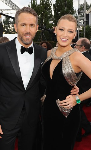 Ryan Reynolds Blake Lively at 2017 Golden Globes