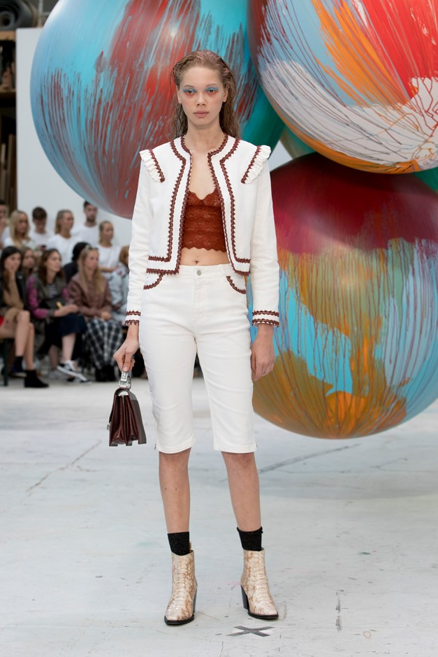 Ganni showed white cropped trousers in their last show.