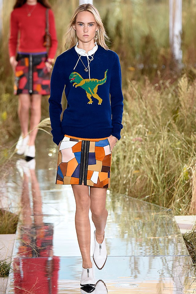 <p>On the Coach spring 2016 runway