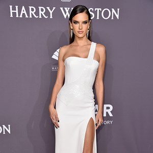 Supermodels Take Over At amfAR Gala