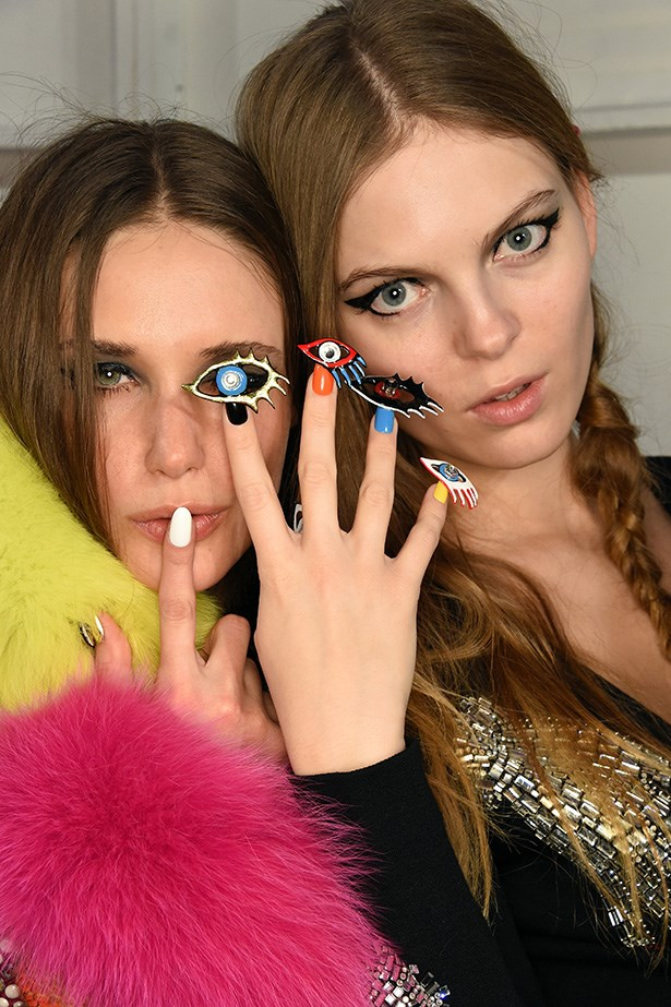 These are the on-the-go tricks all backstage nail artists employ, when a flawless mani pedi is essential, but the models have already started walking onto the runway. <br> <br> They're the perfect techniques to use when you too have somewhere to be five minutes ago.
