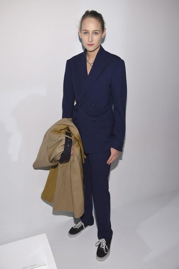 <p><strong>Calvin Klein</strong> <BR><BR> Leelee Sobieski