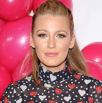 Blake Lively Anita Ko arrow earring