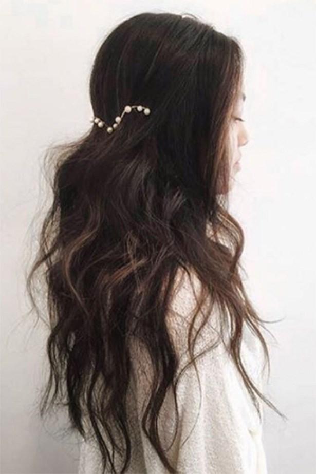 "Celebrity hair stylist <a href=""http://https://www.instagram.com/kristin_ess/"">Kristin Ess</a> created this look using a pearl hair halo. <br> <br> <em>@LeletNY</em>"