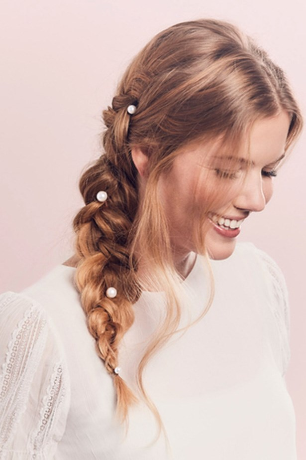 It doesn't take much to get the trend right—any amount of pearls and kind of placement works, just make sure it's not too linear. Scattered is best. <br> <br> <em>Jen Atkin X Chloe + Isabel </em>