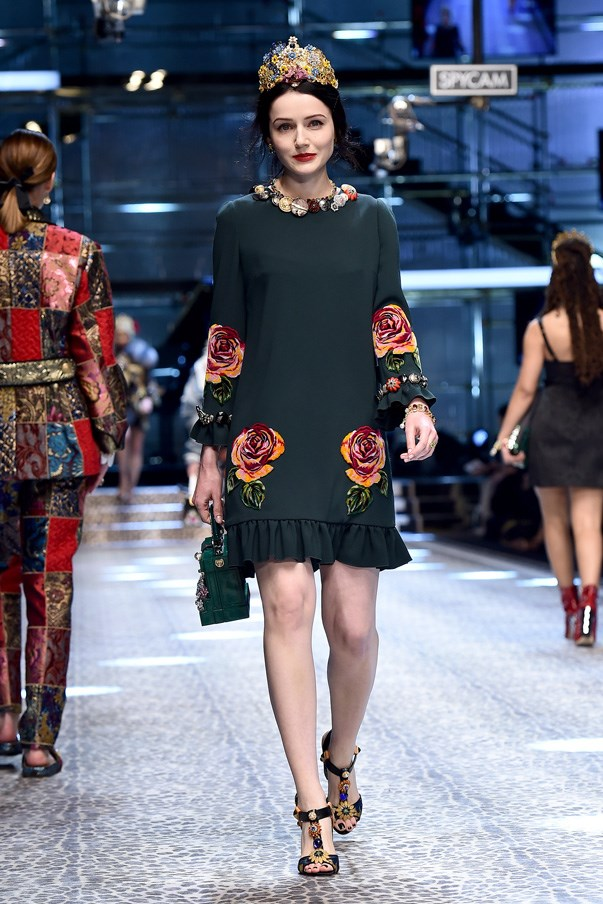"""<strong>4. Dolce & Gabbana</strong> <br><Br> They're the protégés of Beyoncé, have opened for Michelle Obama and now singer sisters Chloe and Halle Bailey have played """"queens for the day"""" on the Dolce & Gabbana """"real people"""" runway. These millennial mini dresses couldn't have been more appropriate for two not-yet-twenty-year-olds. Give these girls a crown!"""