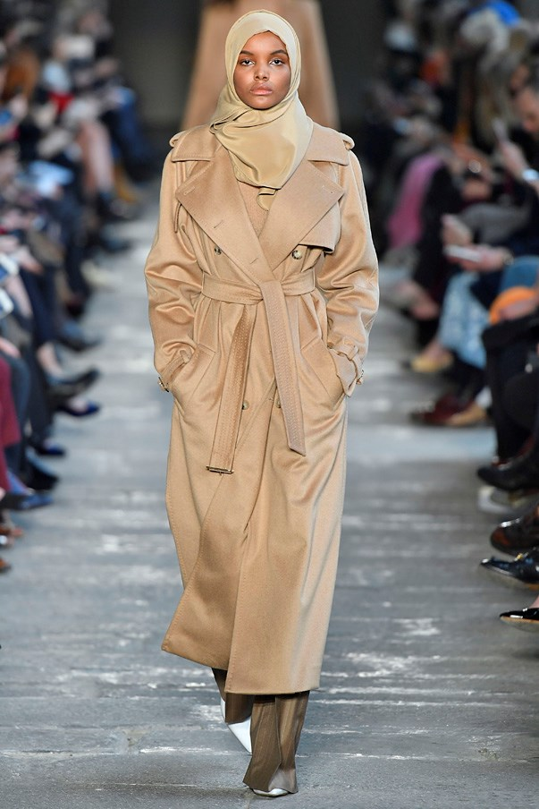 <strong>9. MaxMara</strong> <Br><br> First 19-year-old Somali-American Halima Aden was cast by Kanye West for his Yeezy show and now she's walked the Max Mara runway wearing a hijab. While it shouldn't have been news (flash forward to a time when diversity on the runway is the norm not the exception) the moment broke the internet. Meanwhile Max Mara was doing what it always does, reinventing the classics for women everywhere.