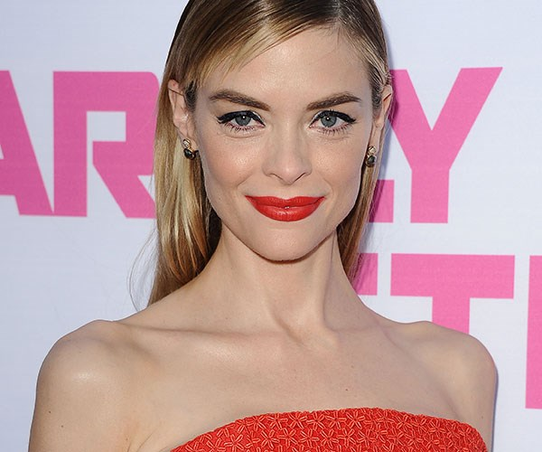 Jaime King Size 0 Model Bans Comments