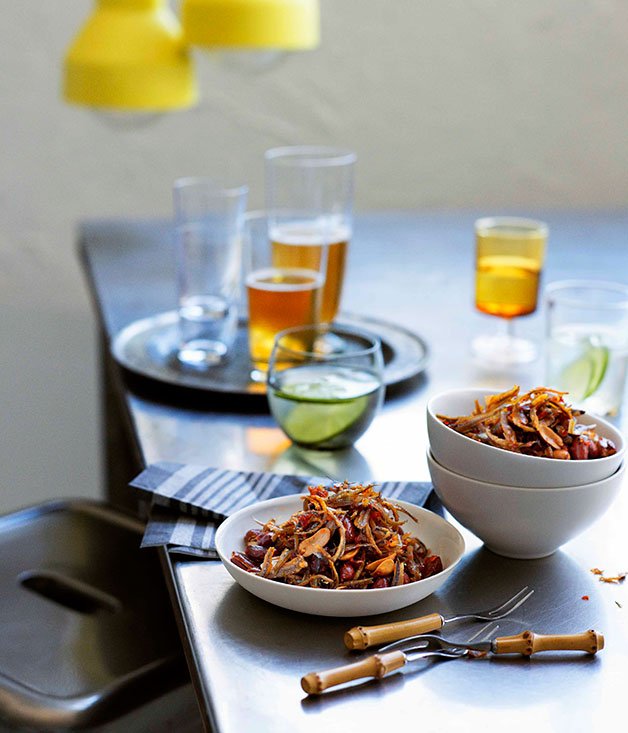 how to make chilli jam prawns