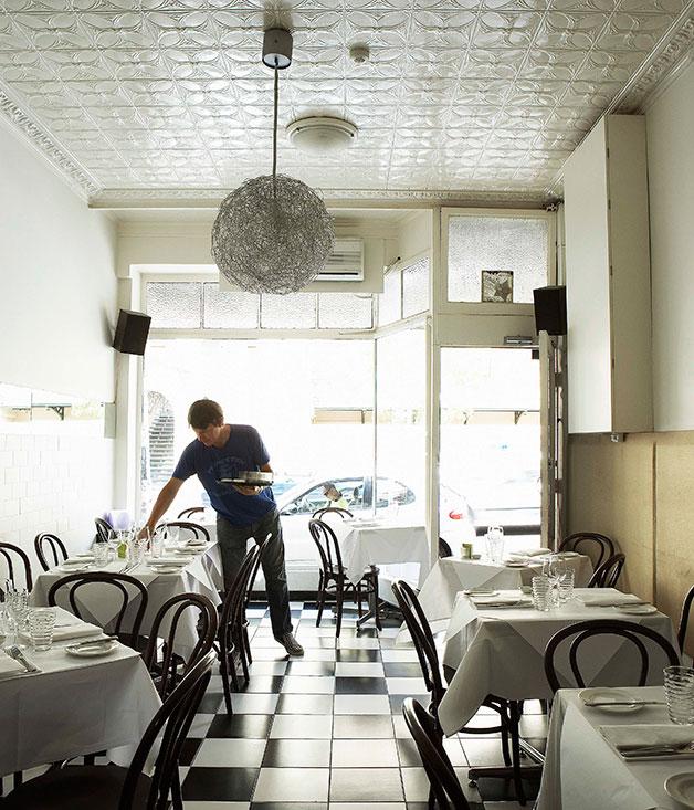 Write a restaurant review sydney