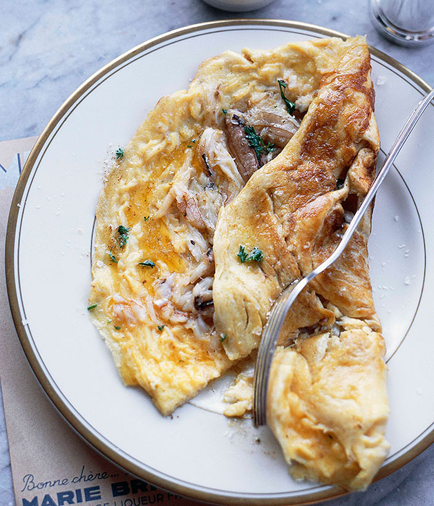 Blue swimmer crab omelette :: Gourmet Traveller